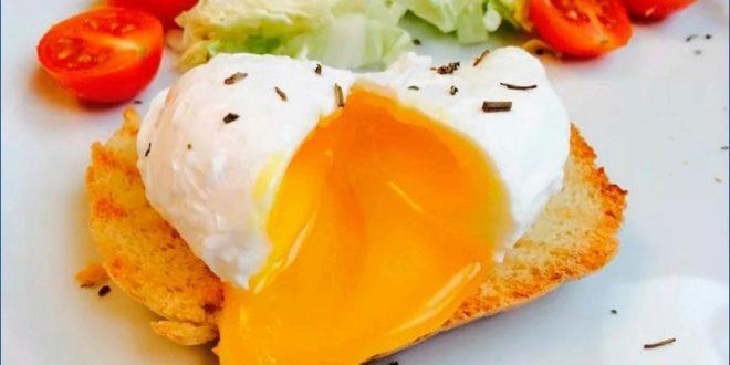 Различные яйца в микроволновке