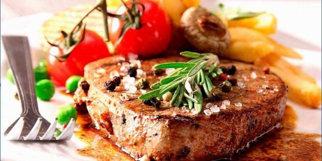 Сытное мясо под соусом