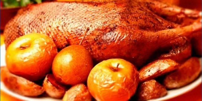 Отменный рецепт гуся с яблоками